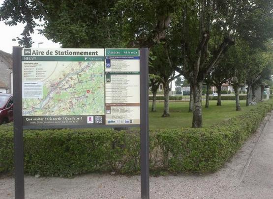 AIRE DE STATIONNEMENT POUR CAMPING-CARS - NEUVY