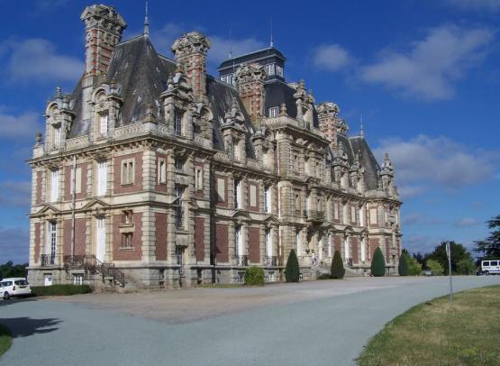 liré_chateau