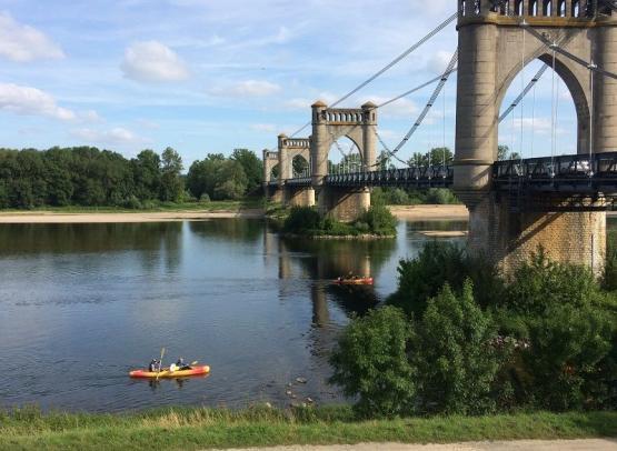 Pont-de-Langeais--canoe--L-ile-Bellule