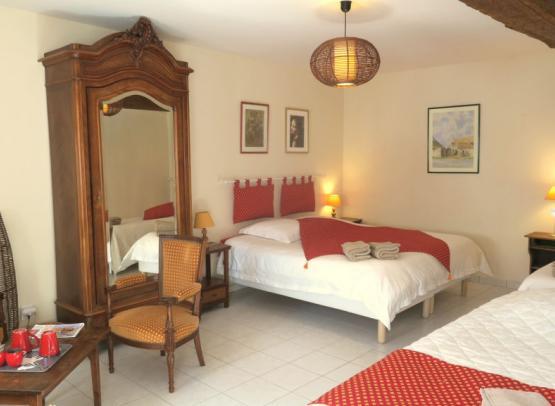 Le Pressoir, chambre familiale aux Salamandres, maison d'hôtes près de Chambord