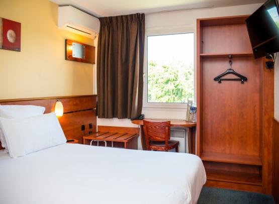 BRIT HOTEL BLOIS - LE PREMA