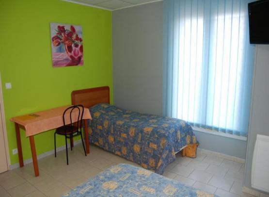 HOTEL LE PETIT LOGIS BEAUMONT 2