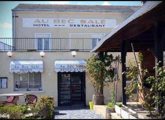 HOTEL RESTAURANT AU BEC SALE