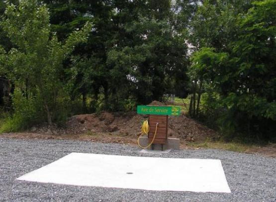 aire-de-service-camping-ferme-guyonnière-pommeraye (1)