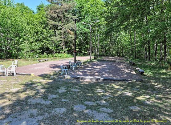 camping-naturiste-club-du-soleil-clere-les-pins-terrain-boules-credit-2019
