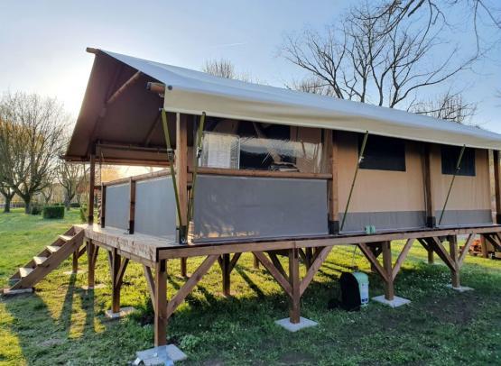 camping_les_patis_nazelles_negron (2)