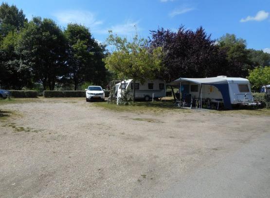 Camping le Jardin de Sully _ Camping Cars