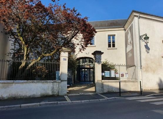 Exterieur-CERCIL--Orleans-Val-de-Loire-Tourisme-min