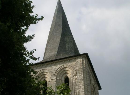 clocher mouliherne
