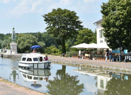 Briare - Pont canal -  15 juillet 2018 - OT Terres de Loire et Canaux - IRémy (6)