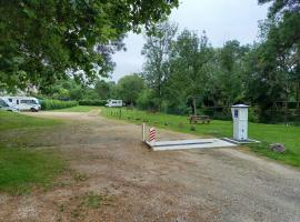 Airecamping-car les Roches l'Evêque@ElodiePLEUVRY (6)