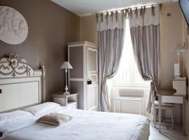 Hôtel Abat Jour-01