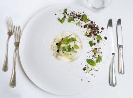 Plat-Restaurant-Charles-Barrier-Credit-charlotteLapeyronie
